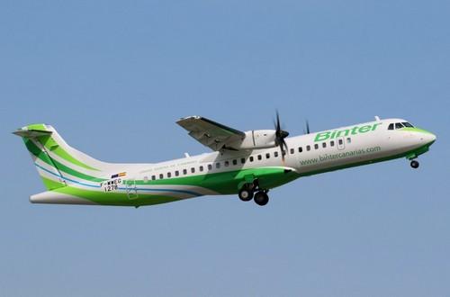 самолет Binter Canarias